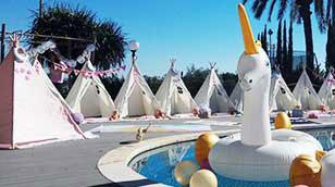לאלילנד מסיבת פיג'מות אוהלים